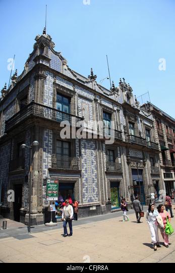 Los azulejos stock photos los azulejos stock images alamy for Sanborns de los azulejos mexico city