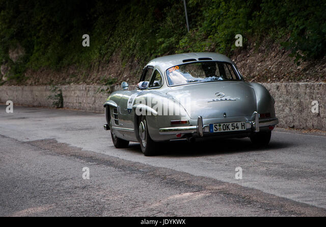 Mille miglia 1955 stock photos mille miglia 1955 stock for Moss motors used cars airport