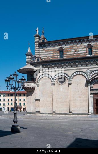Prato cathedral italy stock photos prato cathedral italy for Piazza duomo prato