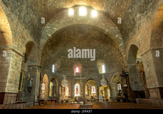 in the romanesque church the interior Decorative art from the romanesque was focused around decoration of the church -the walls, the ceilings, the floors, the entries, the columns a look inside an interior design students' perspective.