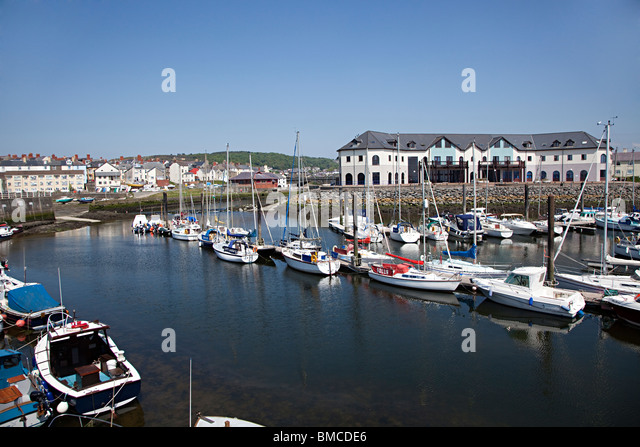 aberystwyth chatrooms Join our dating chat rooms & meet up with plenty of singles who share your interests in aberystwyth.