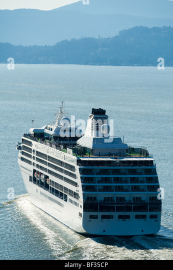 Side View Cruise Ship Liner Stock Photos Amp Side View
