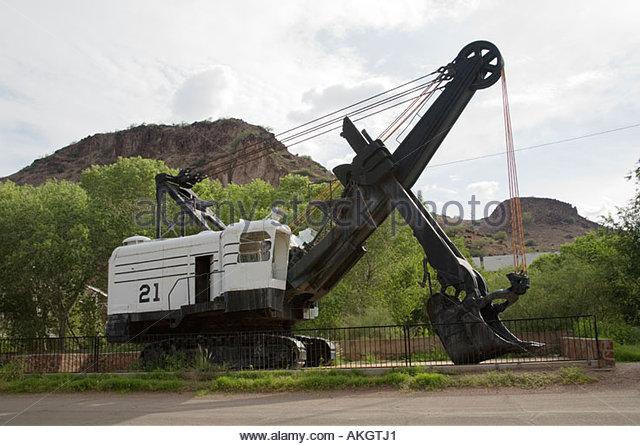 vecchie escavatrici a vapore le origini Old-mining-shovel-on-display-in-clifton-arizona-akgtj1