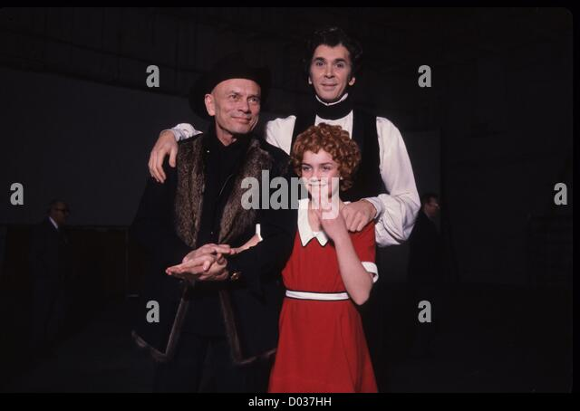 andrea mcardle miss hannigan