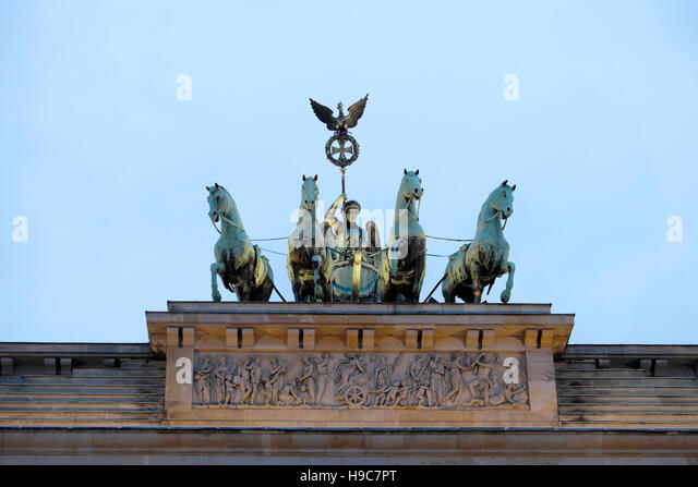 Chariot And Horses Sculpture Stock Photos Amp Chariot And