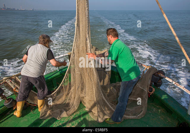 how to make a shrimp trawl net