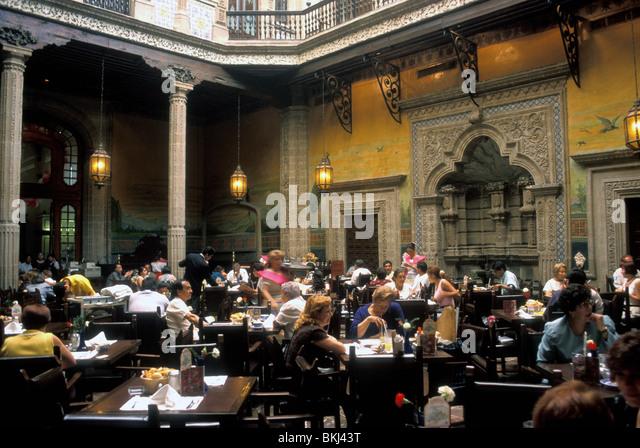 Casa de los azulejos stock photos casa de los azulejos for Restaurant los azulejos df