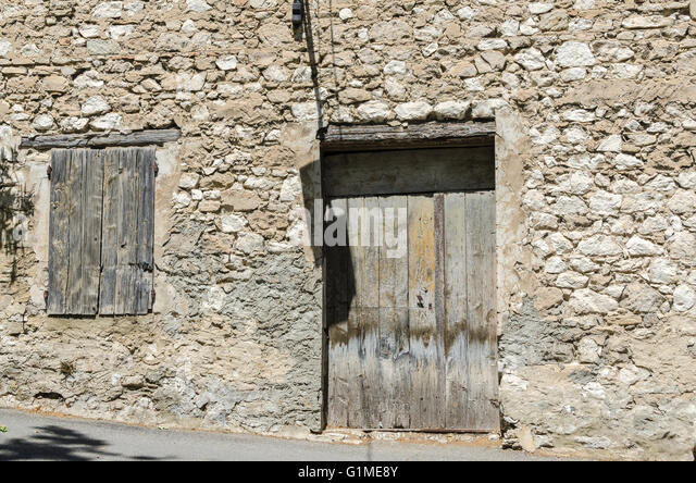 Vieilles stock photos vieilles stock images alamy for Vieille maison en pierre