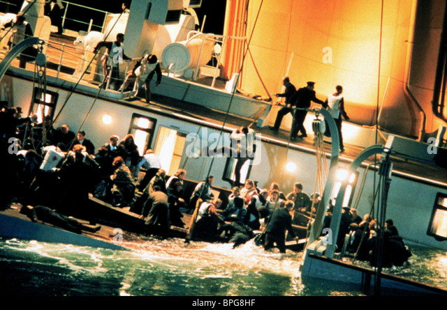 Titanic Sinking Stock Photos & Titanic Sinking Stock ...