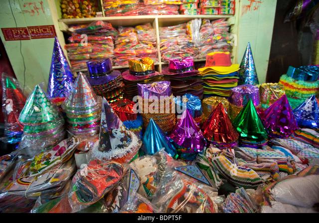 Party Supplies Vendor In A Market Calcutta India