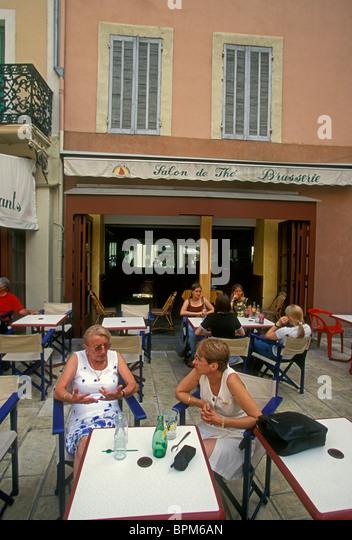 Cote salon stock photos cote salon stock images alamy - Caf salon de provence ...