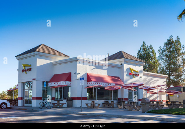 in-n-out-hamburger-restaurant-in-modesto