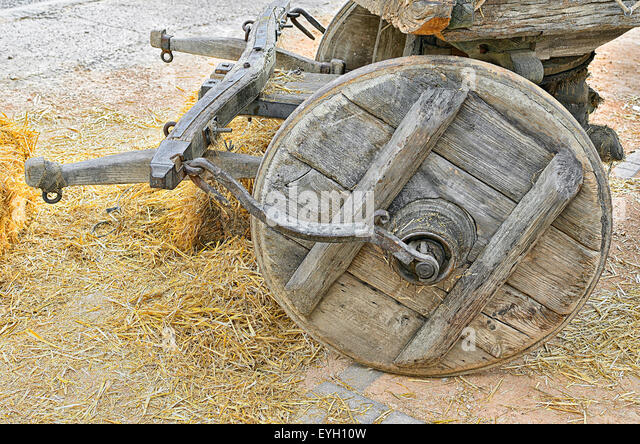 Tumbrel stock photos tumbrel stock images alamy for Things to do with old wagon wheels