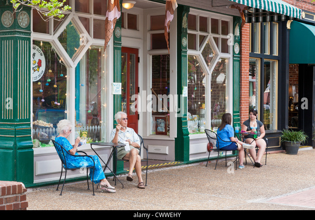 fernandina beach senior singles Explore senior housing options in fernandina beach, fl, and nearby cities for those 55 and olderrefine your search to see just specific types of fernandina beach senior housing if.