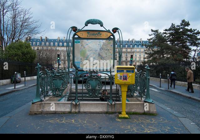 Metro Paris Guimard Stock Photos & Metro Paris Guimard Stock ...