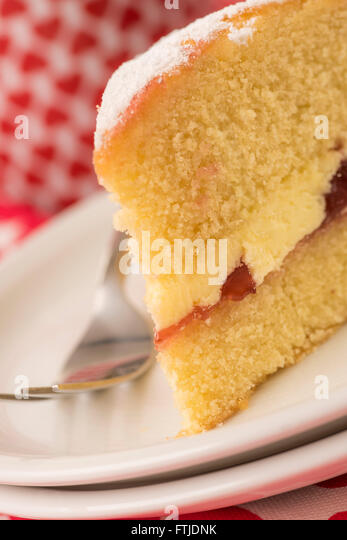 Piece Victoria English Cake Stock Photos & Piece Victoria English ...