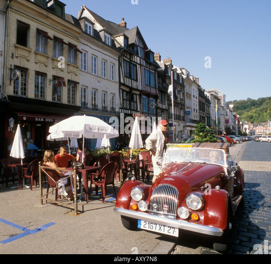 Traditional french car stock photos traditional french for Garage peugeot pont audemer