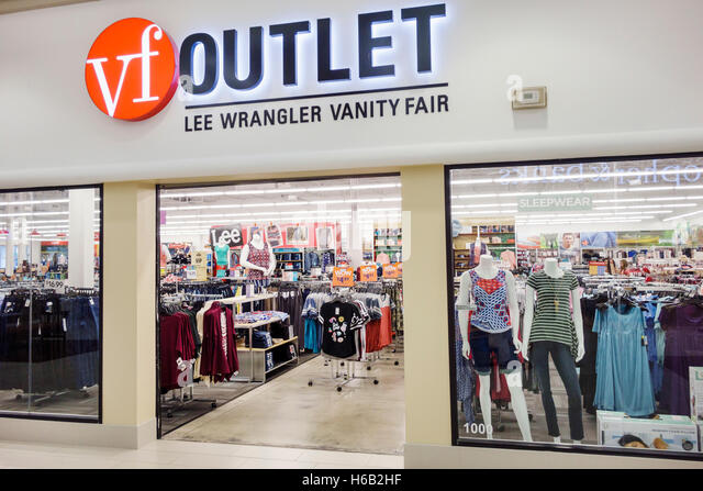 Vanity Fair Factory Outlet Tucson in Tucson, AZ Operation hours, address, brands, telephone number, etc.