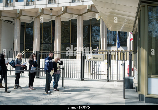 British Teenagers Waiting At The Us Embassy To Apply For Visas The Us Embassy