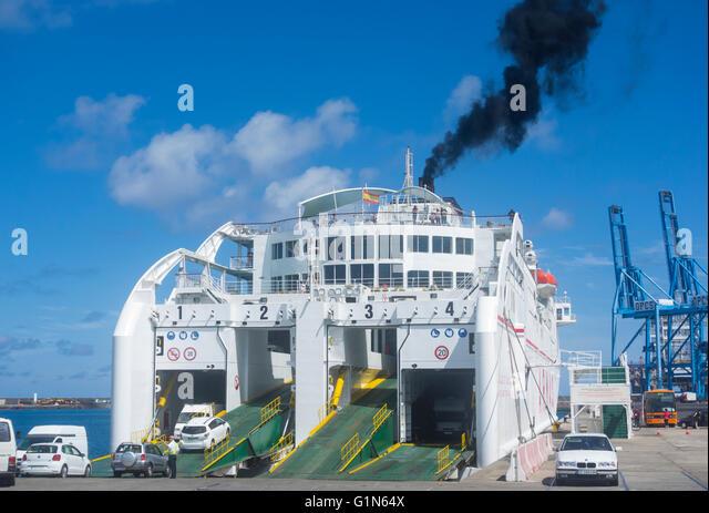 Armas ferry stock photos armas ferry stock images alamy for Oficina de armas las palmas