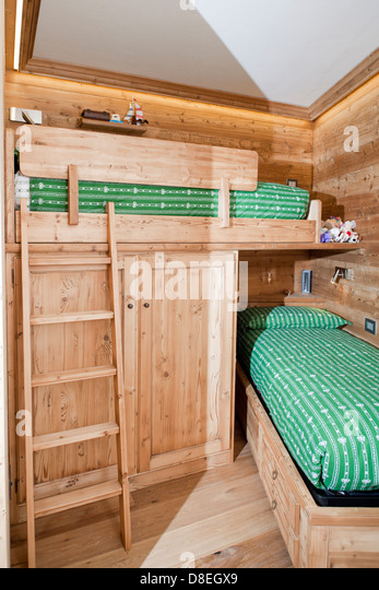 Pine wood bedroom furniture stock photos pine wood bedroom furniture stock images alamy Mountain home bedroom furniture