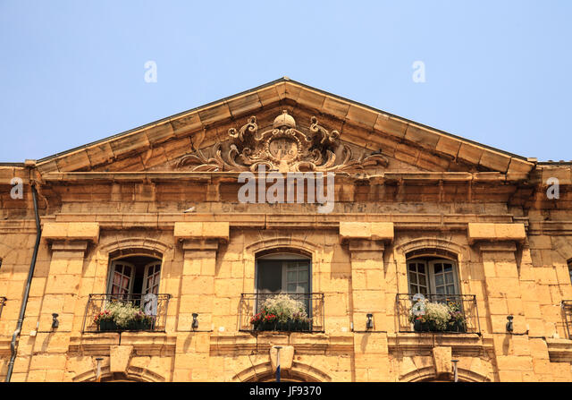 Maximin stock photos maximin stock images alamy for Cash piscine saint maximin