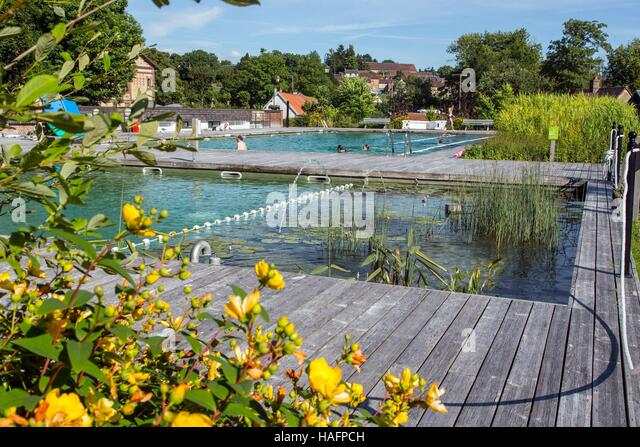Baignade stock photos baignade stock images alamy for Piscine biologique