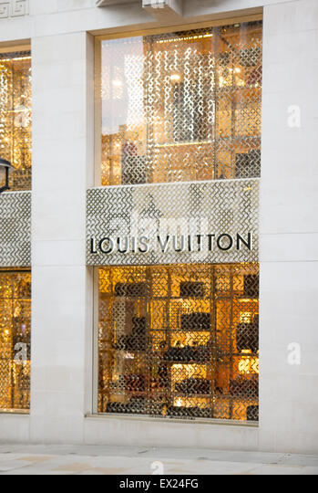 richard ivey louis vuitton in india Founded in 1854, louis vuitton recruits in more than 65 countries find all the information to start a new career and be part of a great adventure.