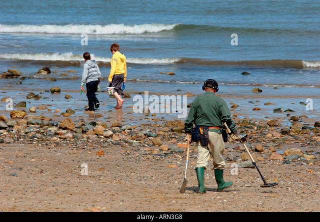 Jew Detector: Metal Detecting Beach Sea Llandudno Wales Man Stock Photos