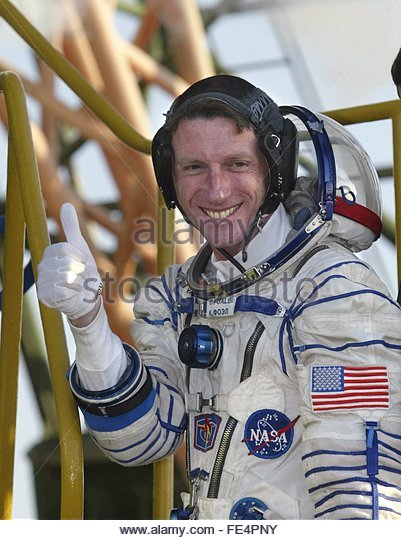 space astronauts thumbs up - photo #21