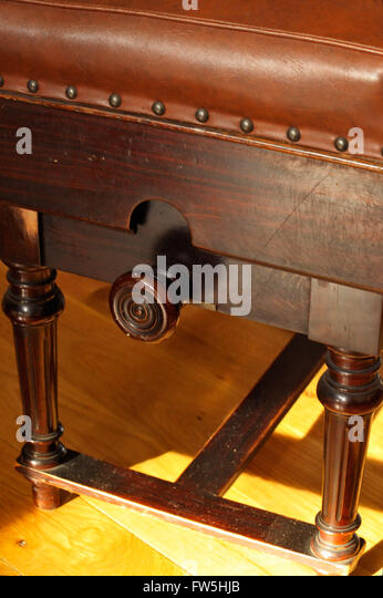 Height raising knob of wooden concert piano stool padded leather adjustable gear - Stock & Piano Stool Stock Photos \u0026 Piano Stool Stock Images - Alamy islam-shia.org