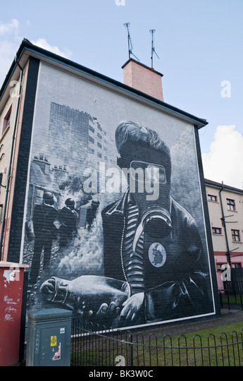 murals bogside stock photos murals bogside stock images. Black Bedroom Furniture Sets. Home Design Ideas