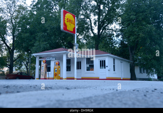 Soulsby Service Station 1925 Shell Gas On Old Route 66 In Mount Olive