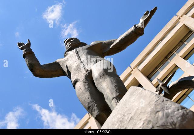 Yuri Gagarin Statue Stock Photos & Yuri Gagarin Statue ...
