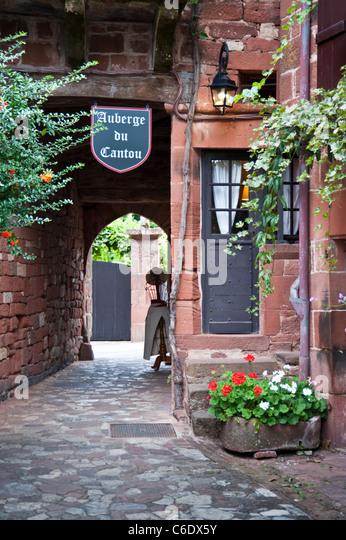 Corr ze stock photos corr ze stock images alamy for Auberge de la maison rouge