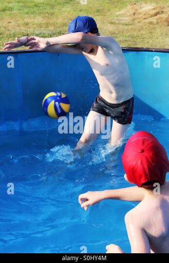Throwing Ball Kids Stock Photos Throwing Ball Kids Stock Images Alamy