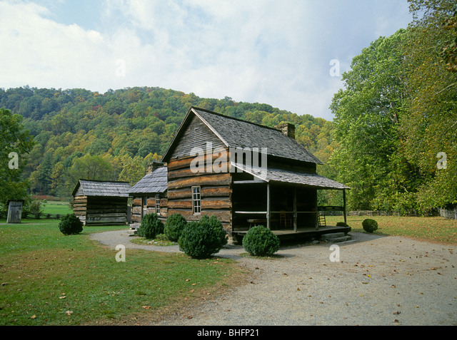 Hewn log stock photos hewn log stock images alamy for Hewn log cabin kits