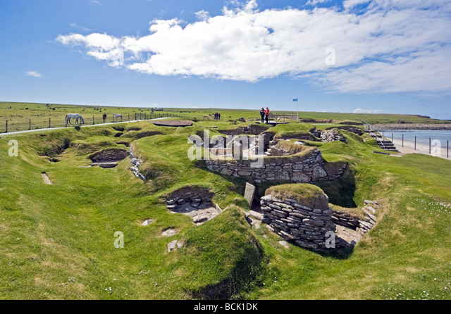 skara dating site Dating from 3500 bc to 3100 bc, it is similar in design to skara brae, but from an earlier period, and it is thought to be the oldest preserved standing building in northern europe [ 40 ] there is also a poorly excavated site at links of noltland on westray that appears to have similarities to skara brae.