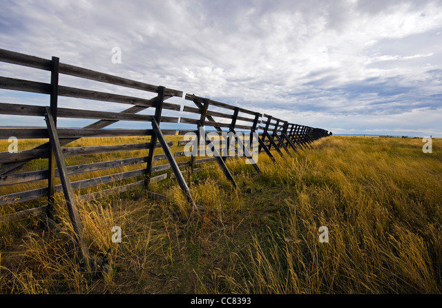 Drifting snow stock photos drifting snow stock images alamy wooden snow fence on the prairie to stop drifting snow from piling up on the states publicscrutiny Image collections