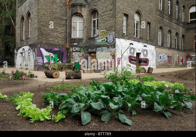 inner city agriculture stock photos inner city agriculture stock images alamy. Black Bedroom Furniture Sets. Home Design Ideas