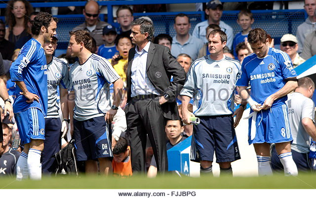 Fc Chelseas Ricardo Carvalho L Is Substituted By Chelsea Manager
