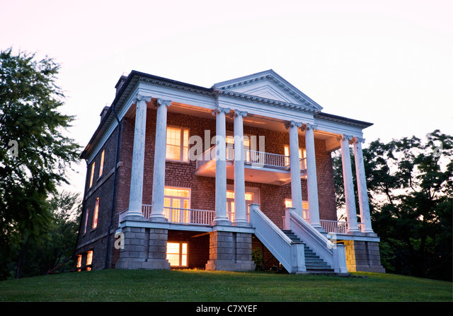 canadaontarioqueenston willowbank is a greek revival house built in 1834 and - Greek Revival Cottage