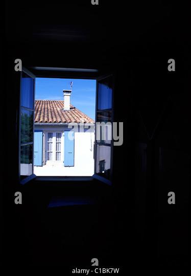 la fenetre stock photos la fenetre stock images alamy. Black Bedroom Furniture Sets. Home Design Ideas