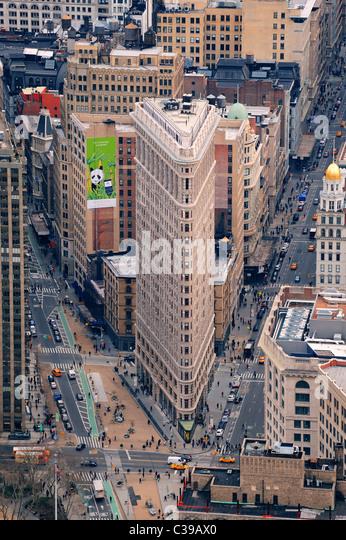 Flatiron Building In Midtown Manhattan Stock Photos ...