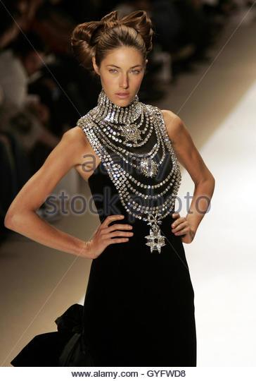 Chi Zang Fashion Week