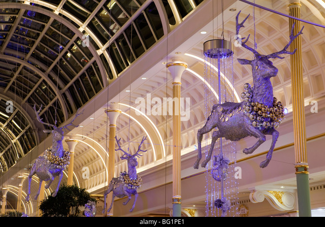 Cake Decorating Trafford Centre : Trafford Centre Christmas Lights Stock Photos & Trafford ...
