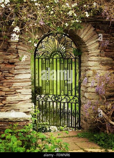 Attirant Gateway To A Walled Garden   Stock Image