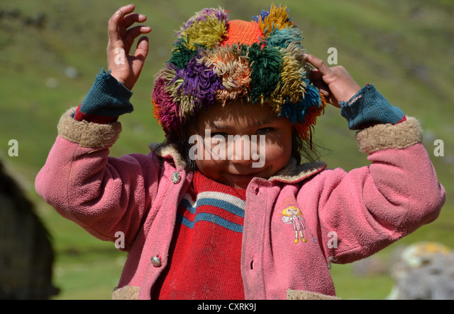 cuzco girls With so many blogs singing the praises of beautiful cuzco, peru and giving   there are little girls dressed in traditional inca clothing running.