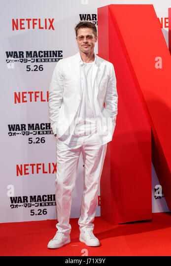 Tokyo, Japan. 23rd May, 2017. American actor Brad Pitt poses for cameras during the Japan premiere for Netflix's - Stock Image