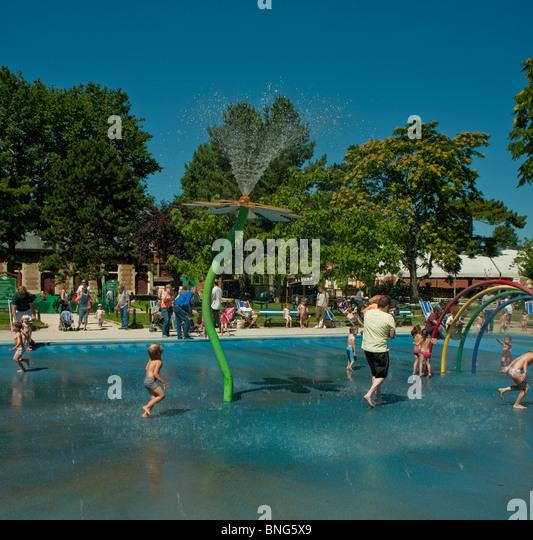 Children public group pool stock photos children public for Paris public pool